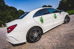 Ujęcia boczne samochodu do ślubu
